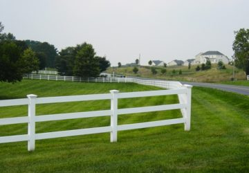 White-PVC-Fencing-PVC-Horse-Fence